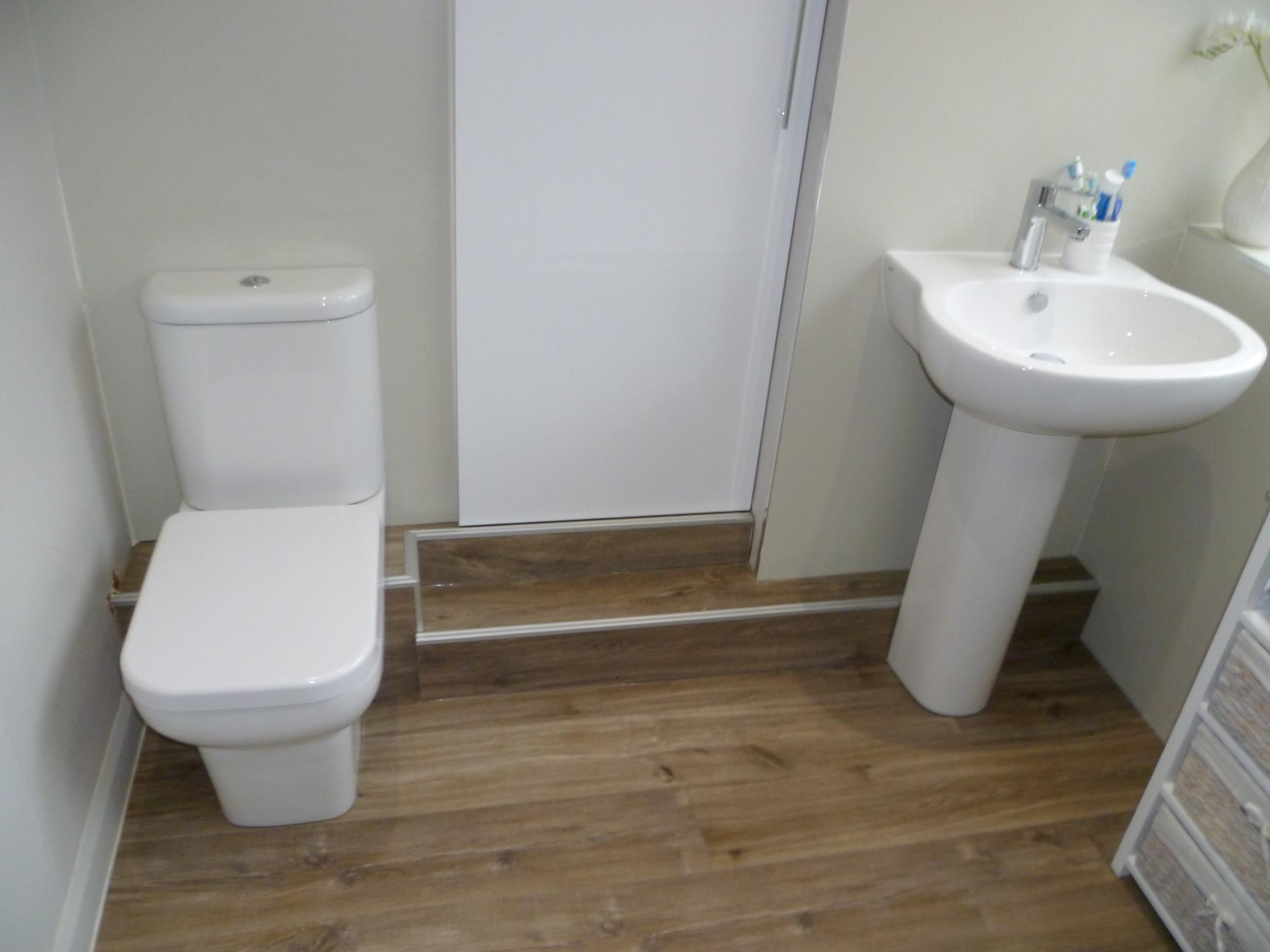 Complete bathroom renovation glen parva leicestershire for Complete bathroom renovations